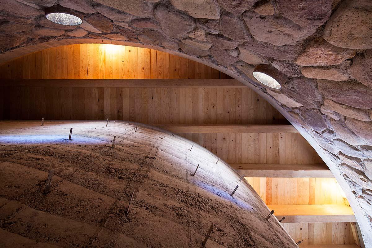 современный-загородный-дом-cave-из-натуральных-материалов-от-greenfield-09