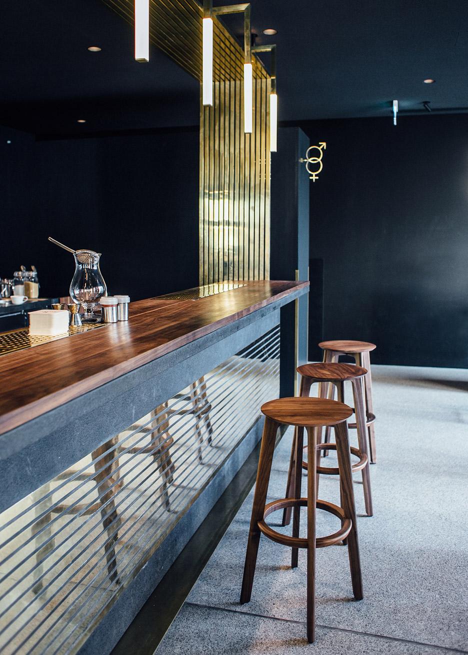architecture_brass_vein_modern_residence_design_studia_interiors_osnovadesign_osnova_poltava_04
