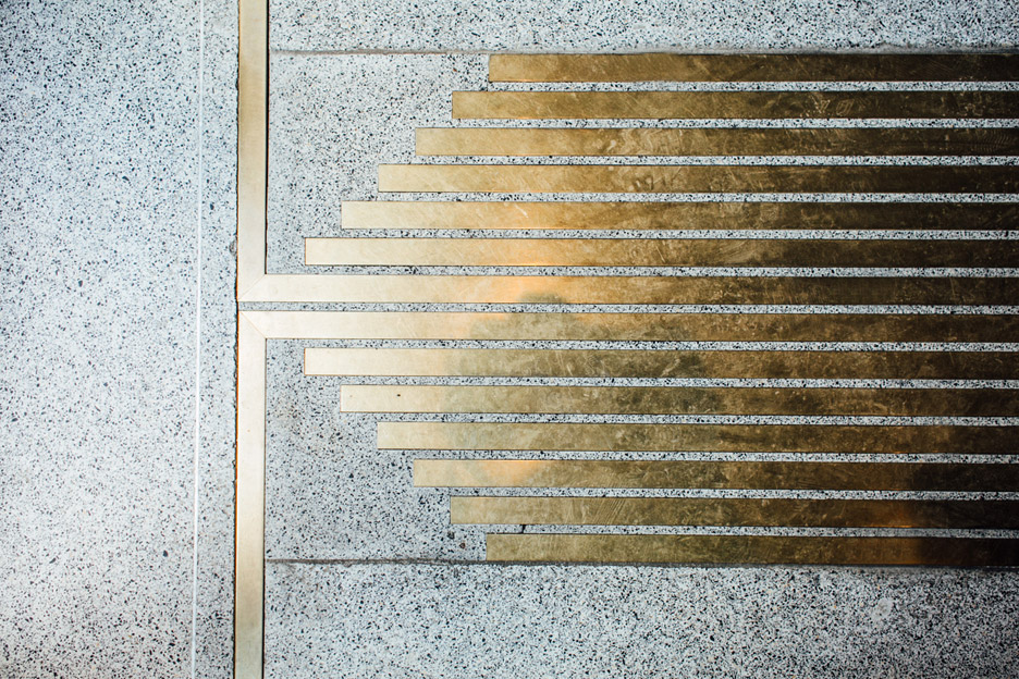 architecture_brass_vein_modern_residence_design_studia_interiors_osnovadesign_osnova_poltava_05