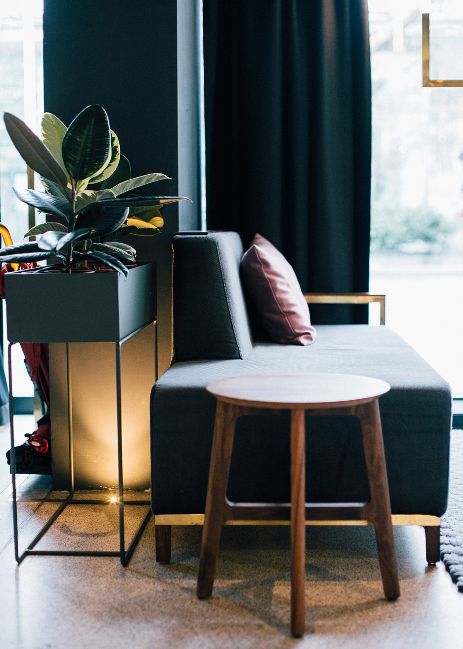 architecture_brass_vein_modern_residence_design_studia_interiors_osnovadesign_osnova_poltava_08
