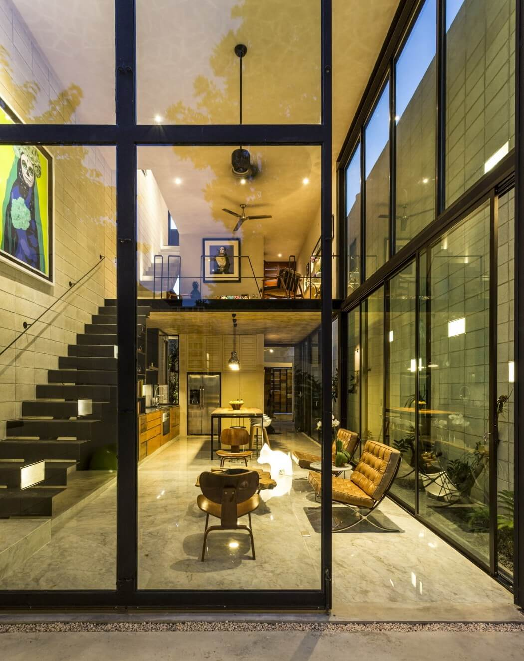 architecture_two-story_glass_wall_in_mexico_design_studia_interiors_osnovadesign_osnova_poltava_07