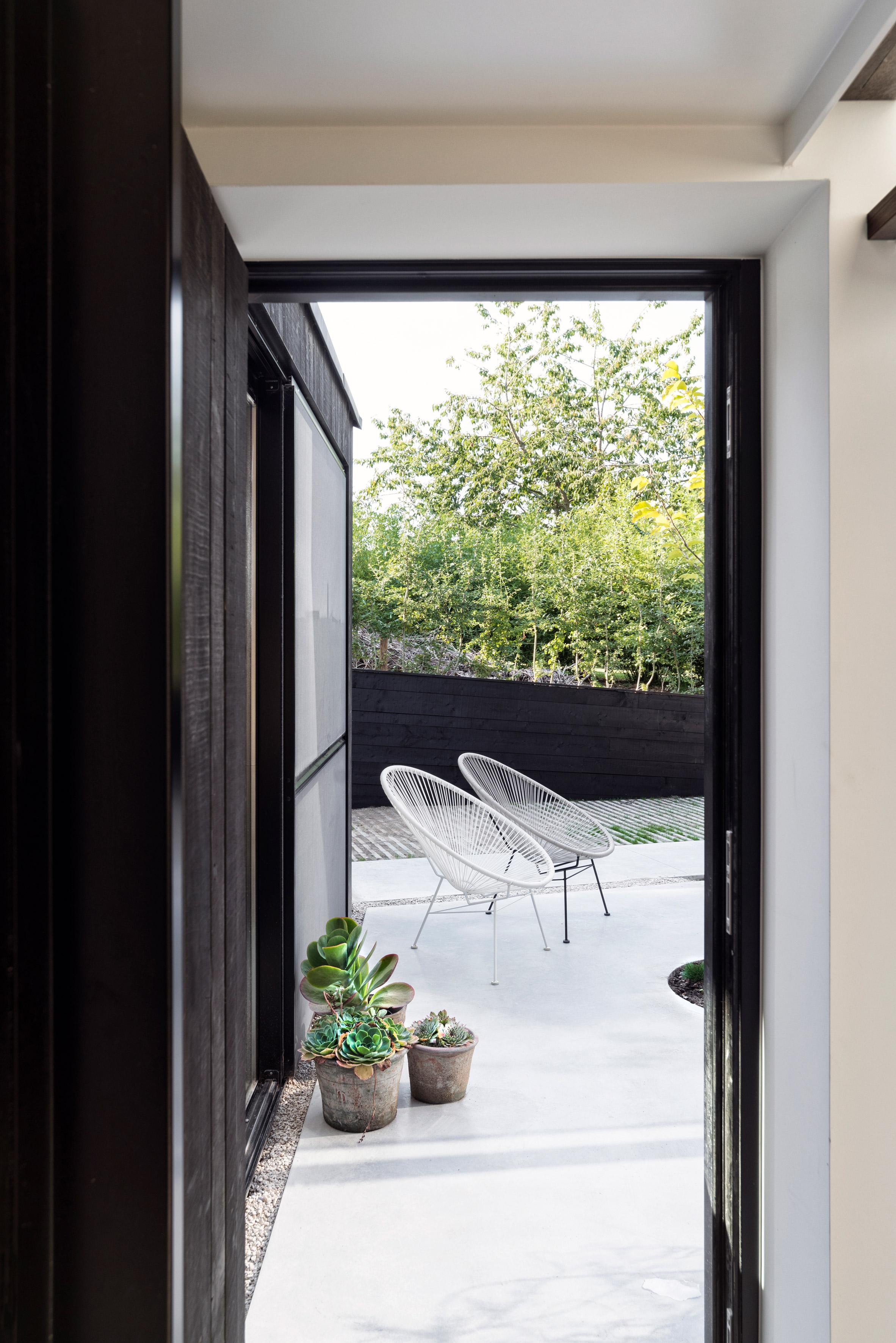 architecture-semi-detached-house-with-an-outdoor-areadesign-studia-interiors-osnovadesign-osnova-poltava_05